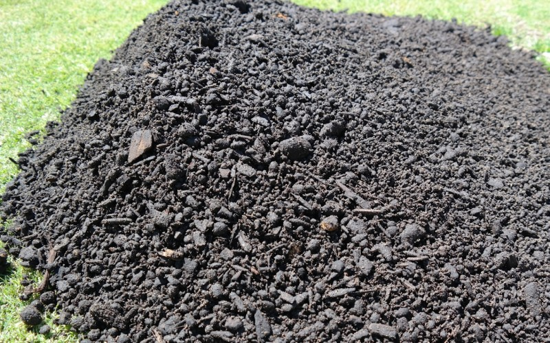 soil blend, rockdust, clay, zeolite and compost